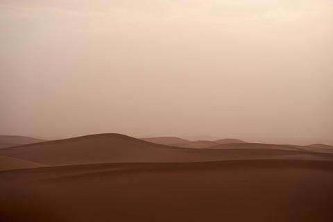 sandstorm-4179080__340