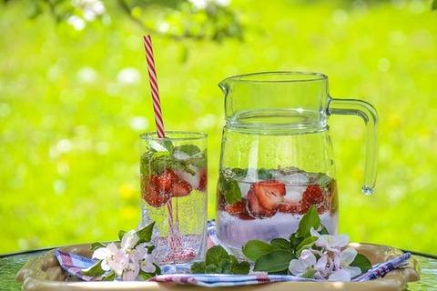 strawberry-drink-1412232__340